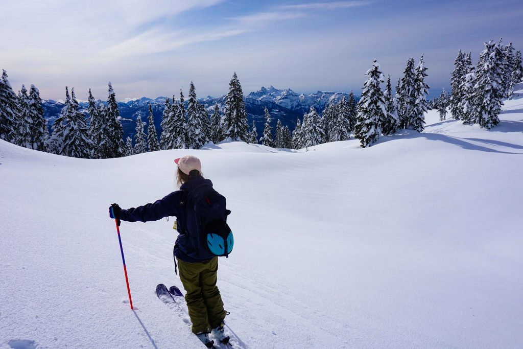 Ski touring at Round Mountain
