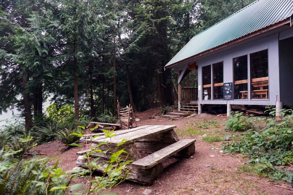 Fairview Bay Hut on the Sunshine Coast Trail